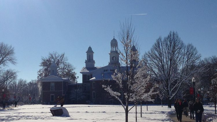 Old Main im Winter