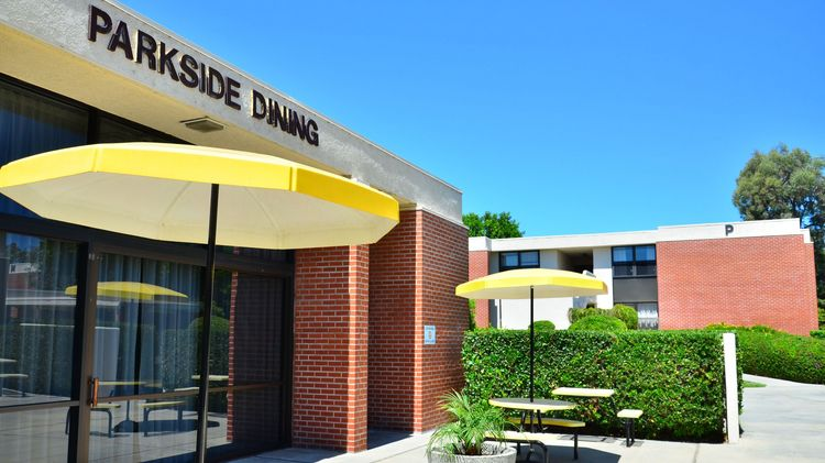 CSULB Parkside Dining